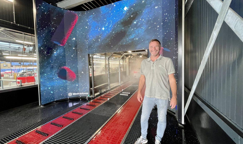 'De schermen geven een nieuwe dimensie aan beleving in de carwash'